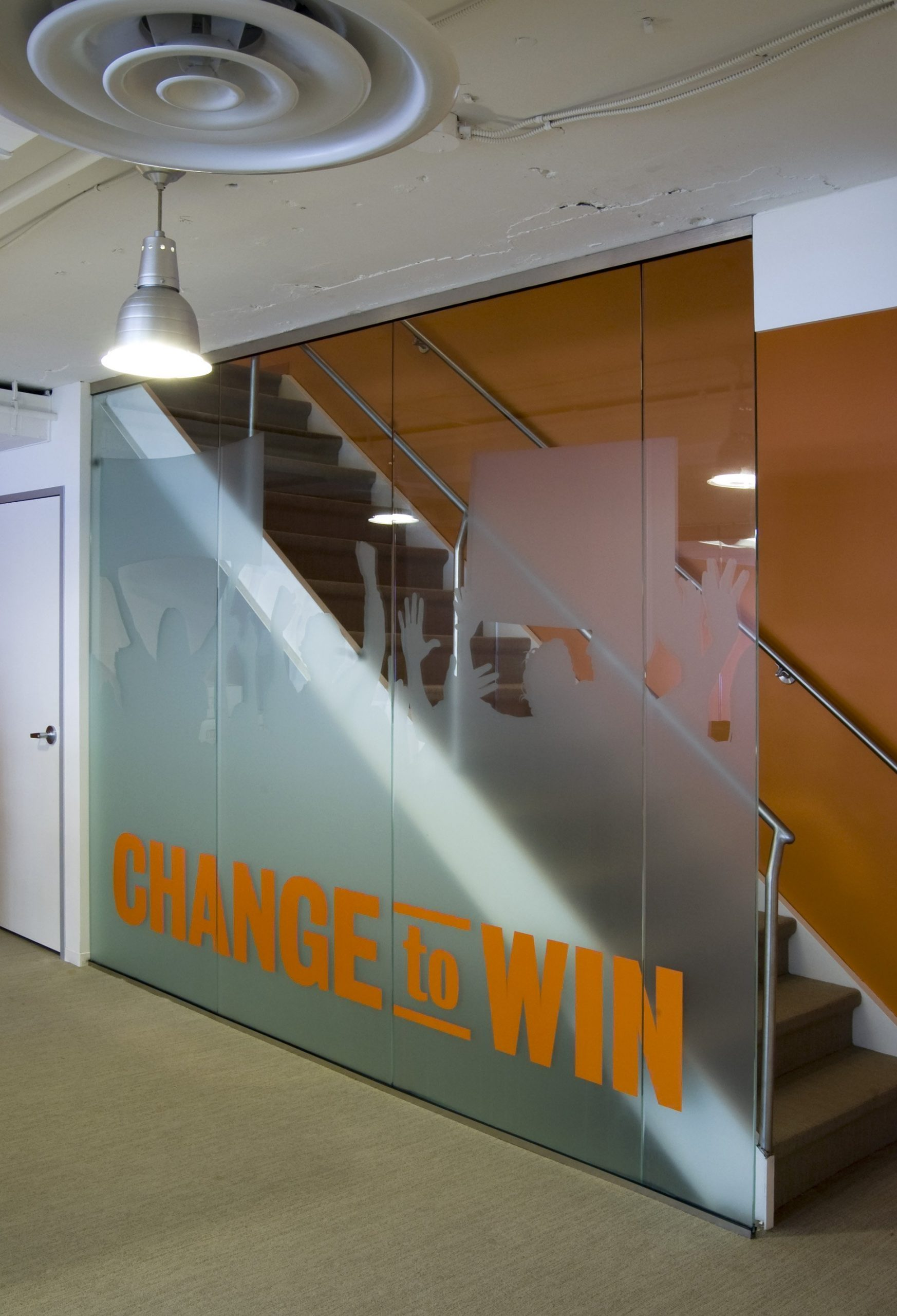 Change-to-Win_Downstair-graphic-wall-4