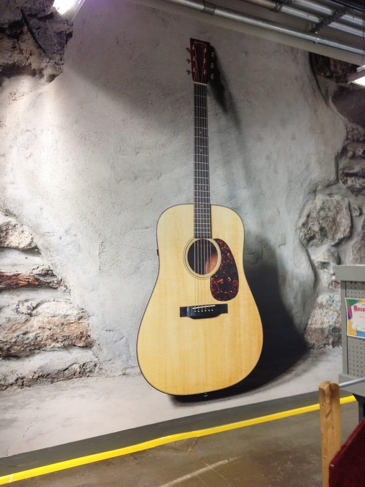 Martin-Guitar-Wallpaper_Retail